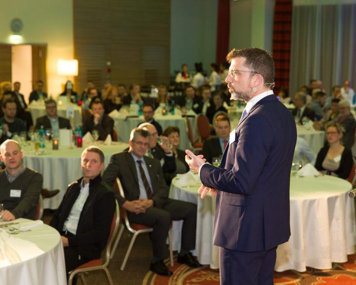 Akademie Zukunft Handwerk  Punktmacher moderiert 9 Unternehmertage in Berlin