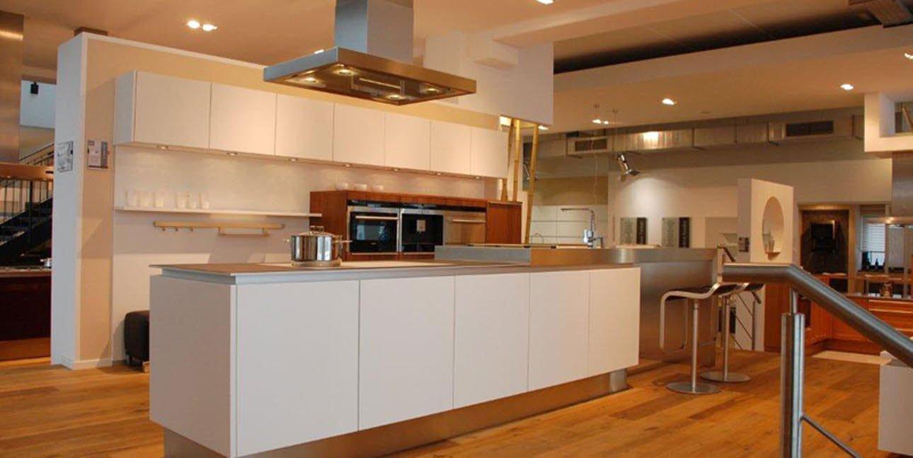 Asmo Küchen  SEGMENTO VH 480 polarweiß & FG 367 Nußbaum