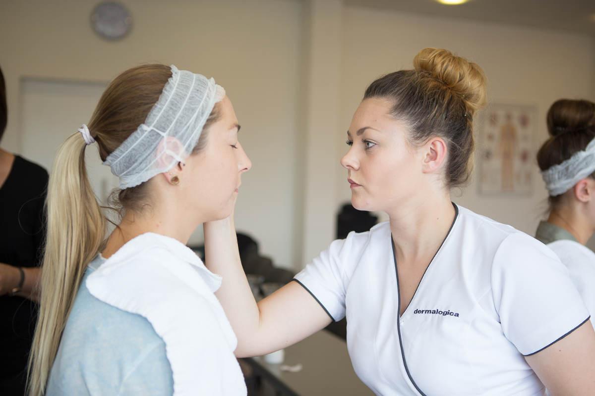 Ausbildung Maniküre  Fünf Finalistinnen für Deutsche Kosmetikmeisterschaften