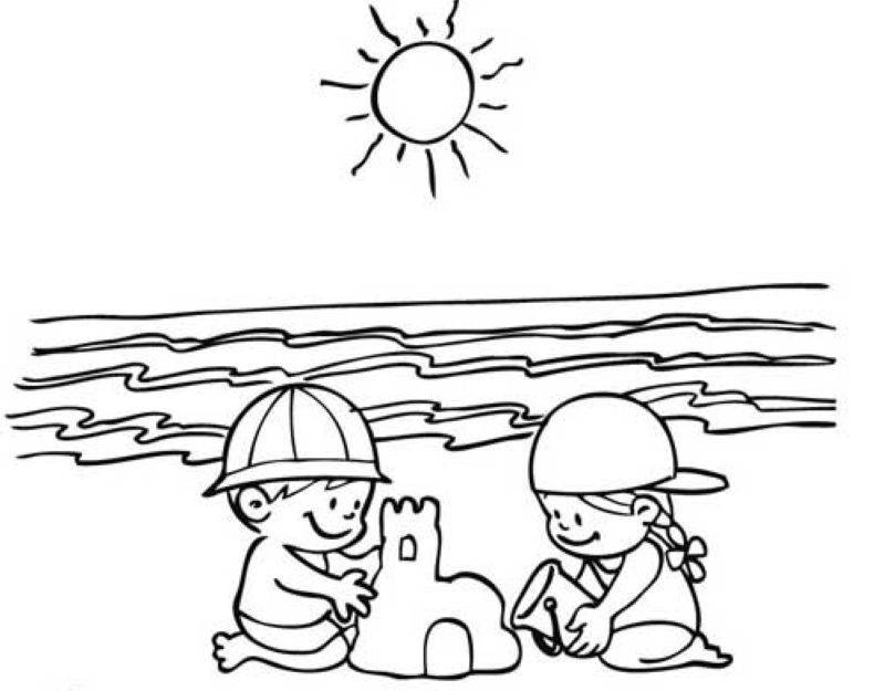 Ausmalbilder Strand Und Meer  Kostenlose Malvorlage Sommer Kinder bauen eine Sandburg