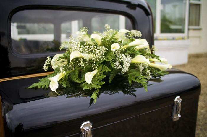 Autoschmuck Hochzeit Befestigung  Autoschmuck zur Hochzeit Calla