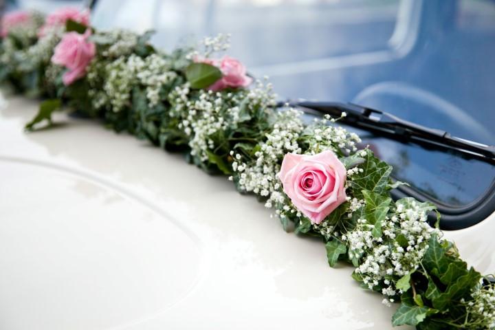 Autoschmuck Hochzeit Befestigung  Autoschmuck zur Hochzeit Ideen für Autodeko zur Hochzeit