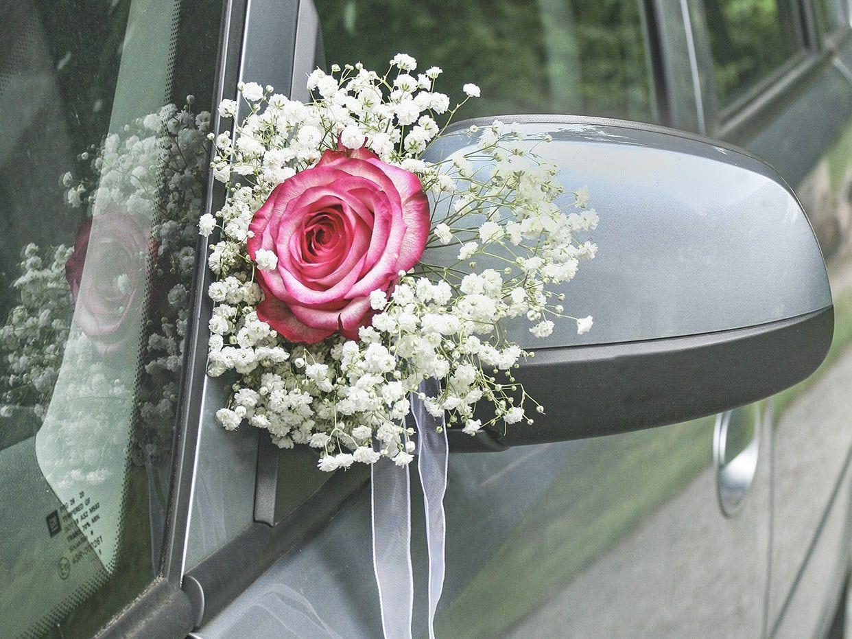 Autoschmuck Hochzeit Befestigung  Blumendeko auf der Hochzeit mit Schleierkraut