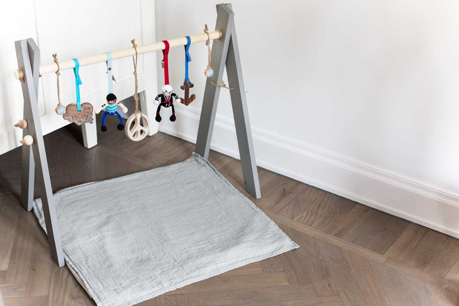 Baby Gym Diy  Make it last — DIY baby gym