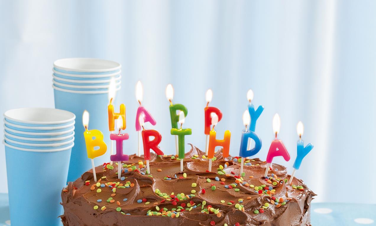 Bild Geburtstagstorte  Schokoladen Geburtstagskuchen Rezept