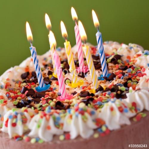 """Bild Geburtstagstorte  """"Geburtstagstorte mit Kerzen"""" Stockfotos und lizenzfreie"""