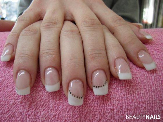 Bilder Nageldesign French  French Nails Nageldesign