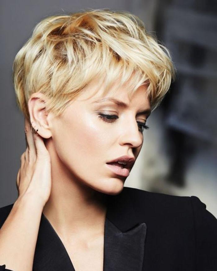 Blonde Frisuren 2019  Kurze haare blond frisur – Helle Haarfarbe 2019