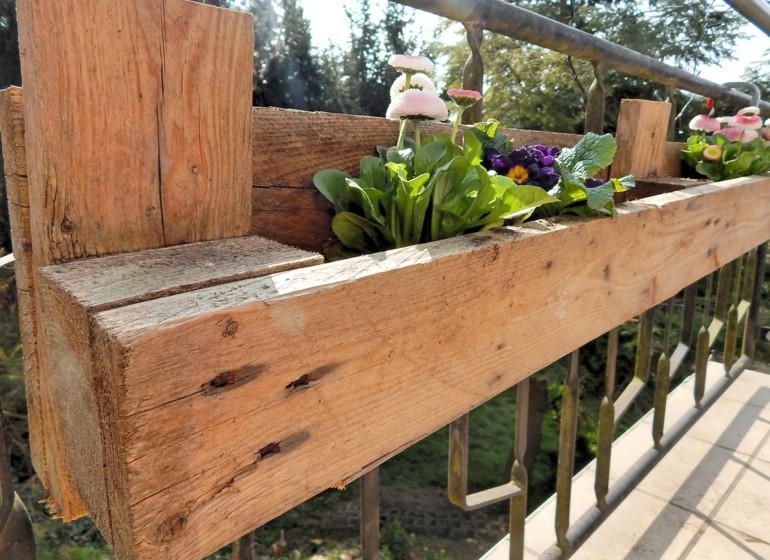 Blumenkasten Diy  DIY Europaletten Blumenkasten So bauen Sie einen