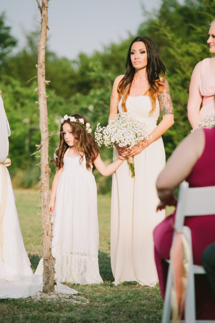 Blumenmädchen Hochzeit  Blumenmaedchen Kleid Hochzeit lang weiss