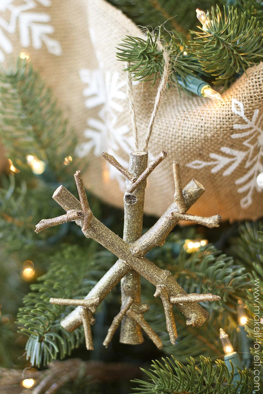 Christmas Diy  23 Cool DIY Christmas Tree Decorations To Make With Kids
