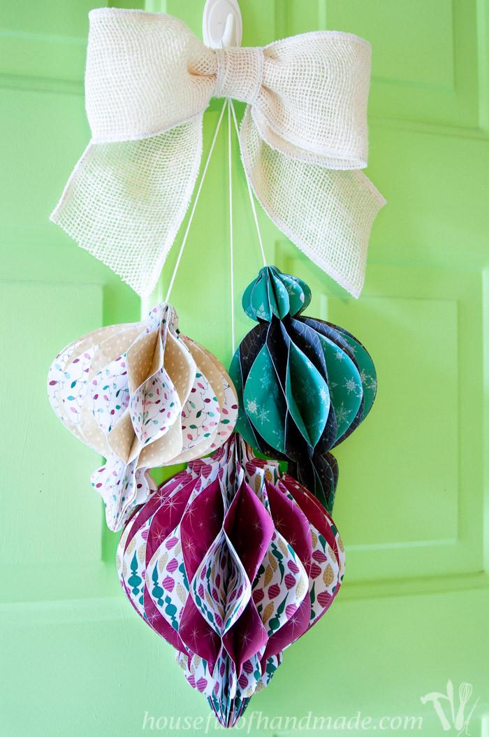 Christmas Diy  DIY Giant Paper Ornament Christmas Wreath a Houseful of