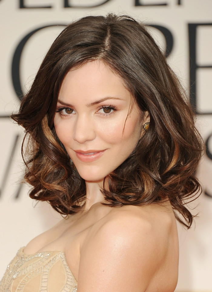 Damen Frisuren Schulterlang  Schulterlange Frisuren Die perfekte Länge für das