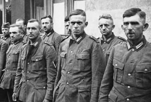 Deutscher Haarschnitt  German Forces German Prisoners 1939