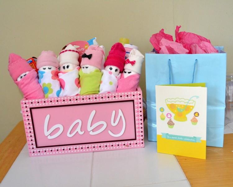 Diy Baby Geschenk  Babygeschenke zur Geburt basteln oder nähen 12 DIY Ideen