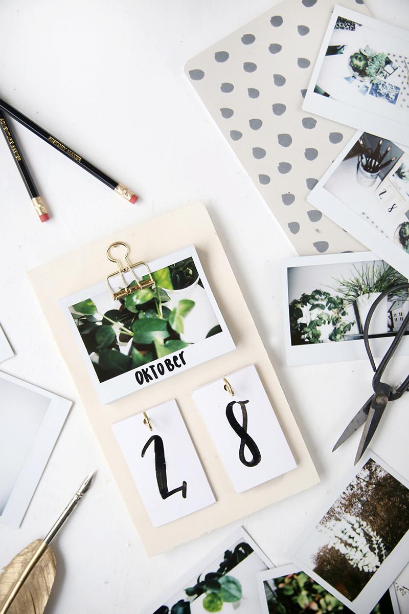 Diy Bilder  DIY Schreibtisch Kalender mit Instax Fotos selbstgemacht