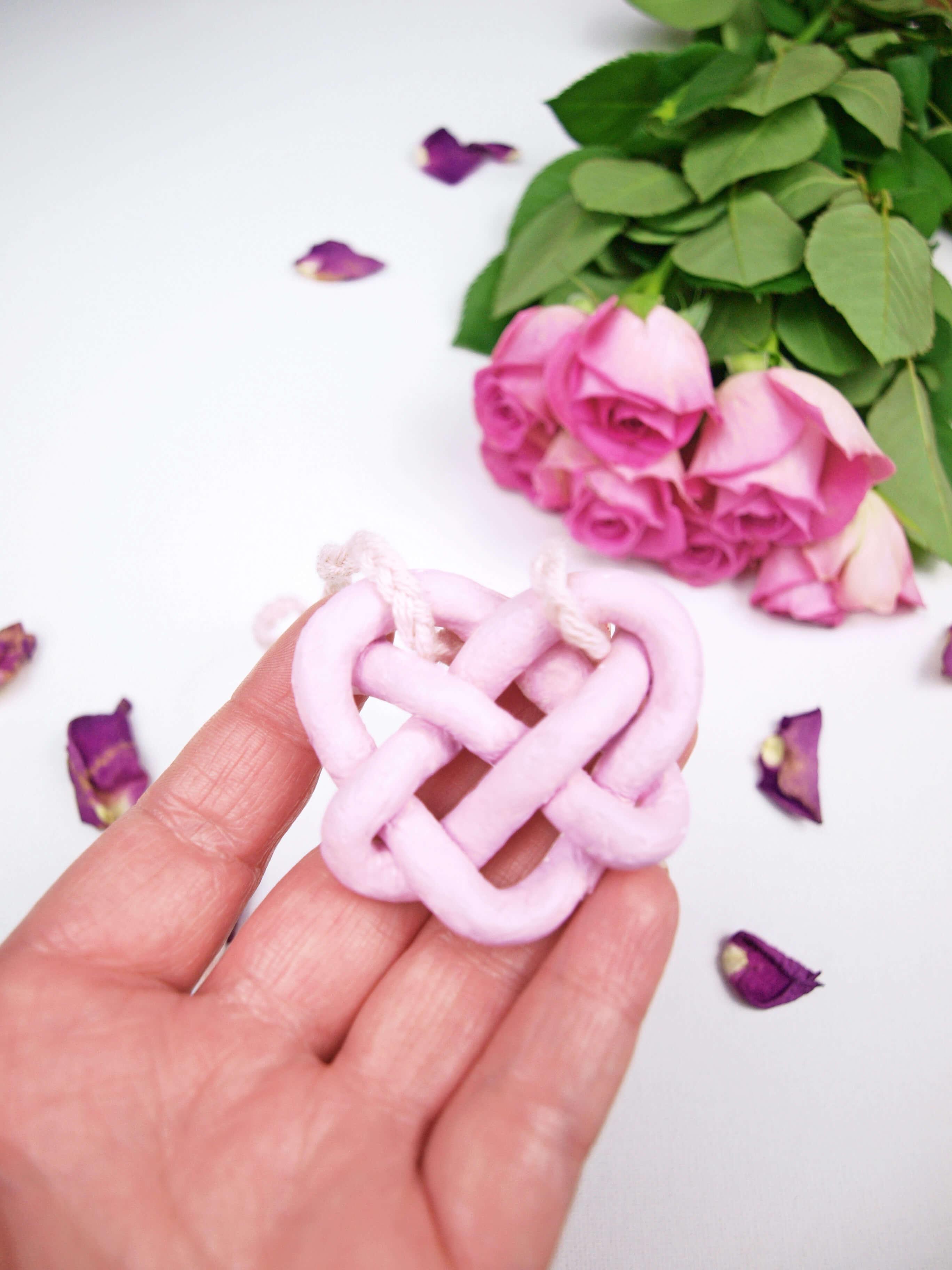 Diy Blog Schmuck  DIY Schmuck Keltischer Herzknoten aus Fimo selber machen
