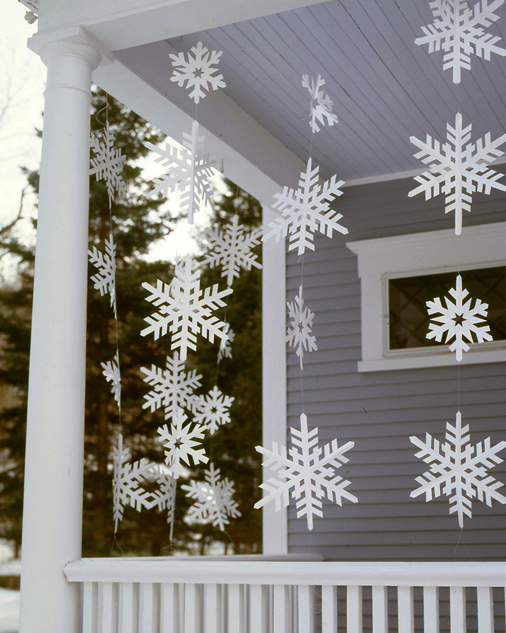 Diy Christmas Decoration  20 DIY Outdoor Christmas Decorations To Start This Weekend