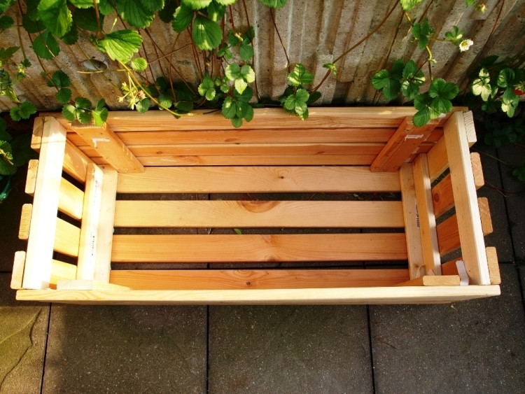 Diy Holzkiste  Große Pflanzkübel aus Holz selber machen 47 DIY Ideen