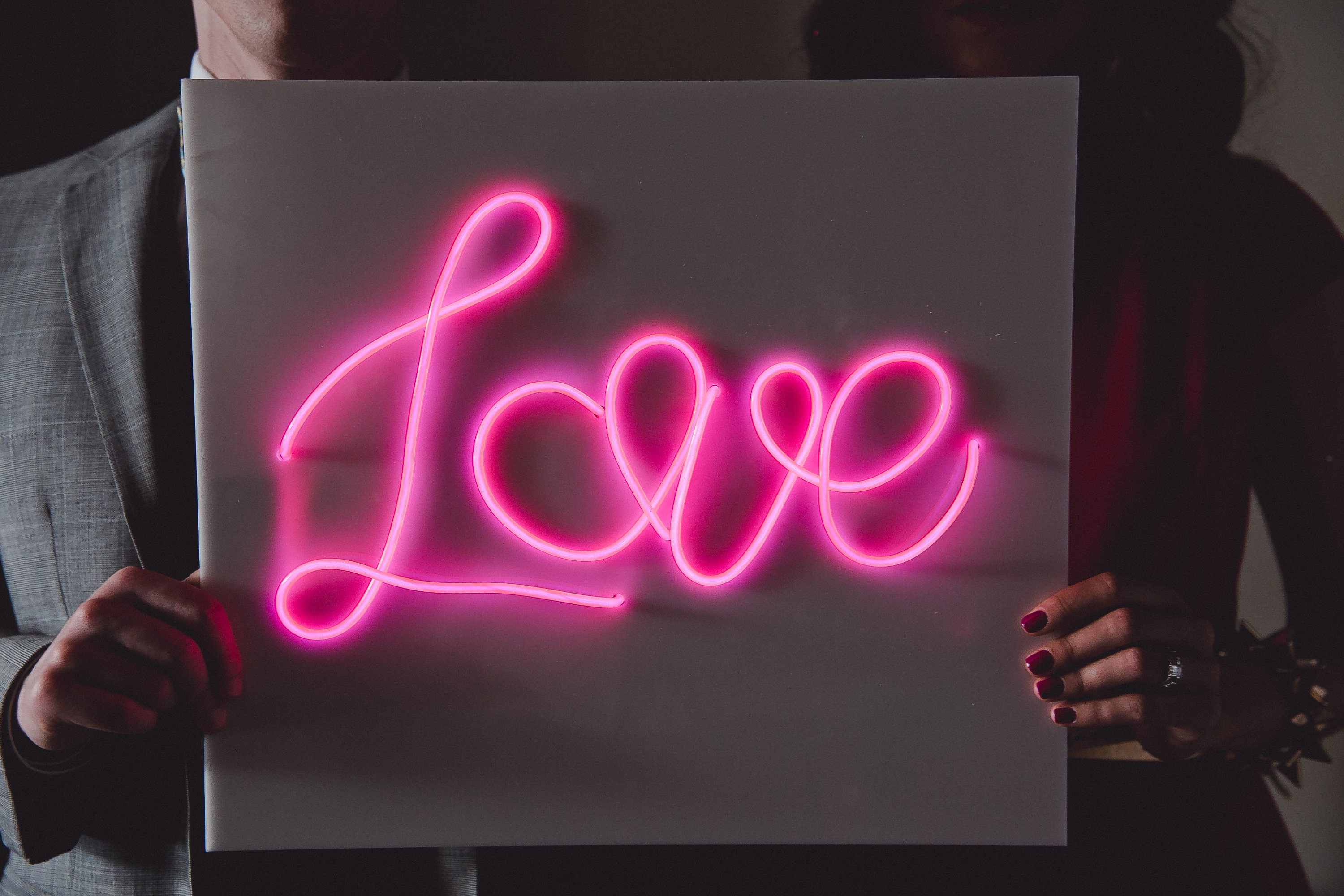Diy Neon Sign  How To Make a DIY Neon Sign with EL Wire