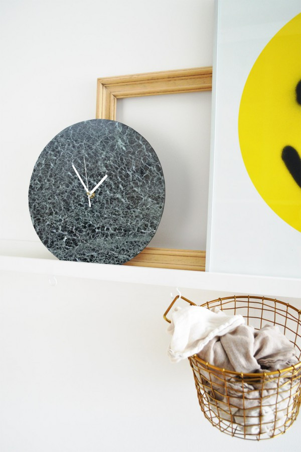 Diy Wanduhr  Sieht echt aus DIY Marmor Wanduhr mit Patch selber