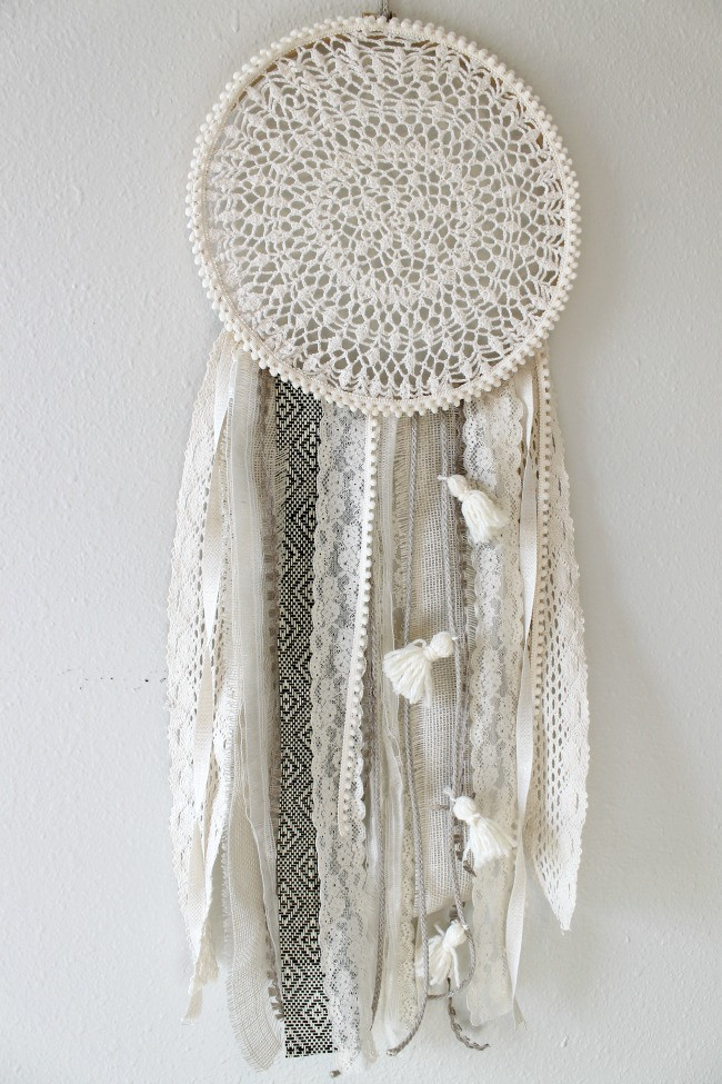 Dreamcatcher Diy  DIY Dreamcatcher Urban Outfitters Knock f Child at