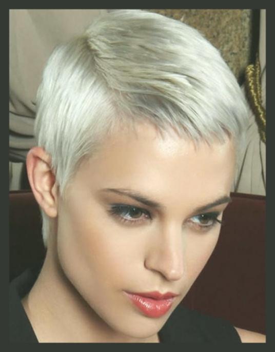Easy Frisuren  Kurze Pixie Cut Frisuren Easy Pixie Haarschnitte für