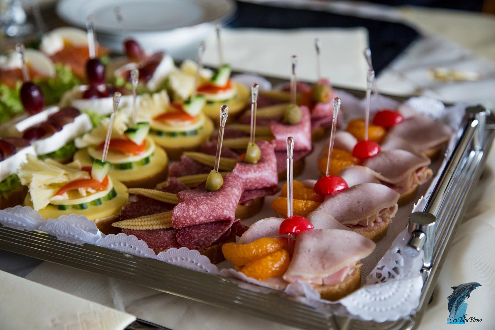 Essen Für Geburtstagsfeier  Feine Häppchen zum Jubiläum Geburtstagsfeier Foto & Bild