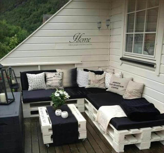 Europaletten Diy  Top 30 DIY Pallet Sofa Ideas