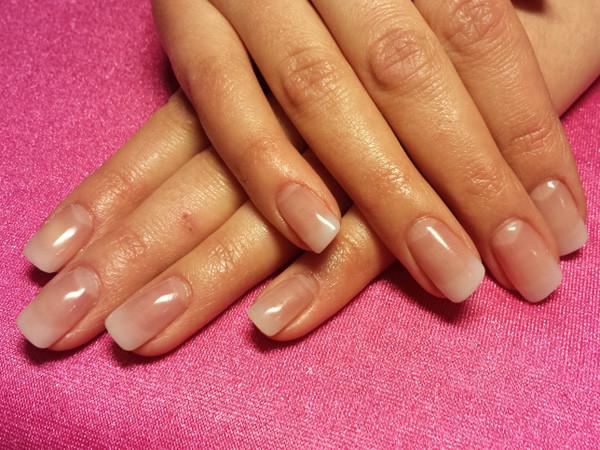 Französische Maniküre  French Nails