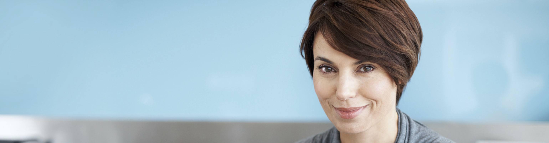 Frisuren Die Schlanker Machen  Frisuren jünger machen – NIVEA