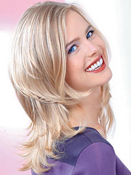 Frisuren Frauen Schulterlang  Frisuren mittellang gestuft