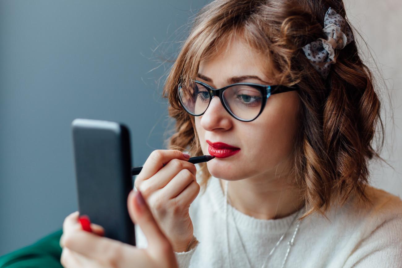 Top 20 Frisuren Fur Mollige Mit Brille Beste Wohnkultur