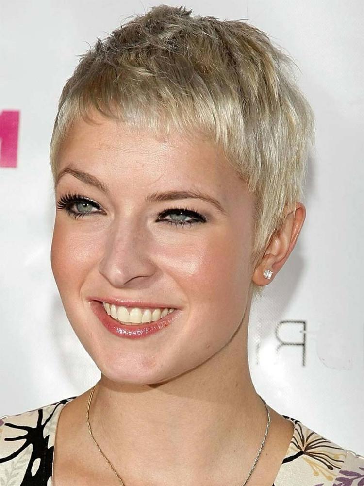 Frisuren Gesichtsform  Damen Kurzhaarschnitte 2018 ein Statement setzen