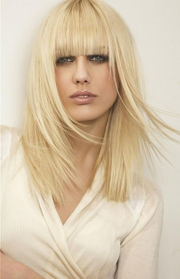 Frisuren Halblang Gestuft  1001 Stufenschnitt Ideen das neue Jahr mit neuer Frisur