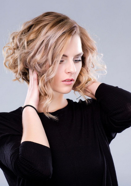 Frisuren Halblang Gestuft  Frisuren halblang gestuft locken