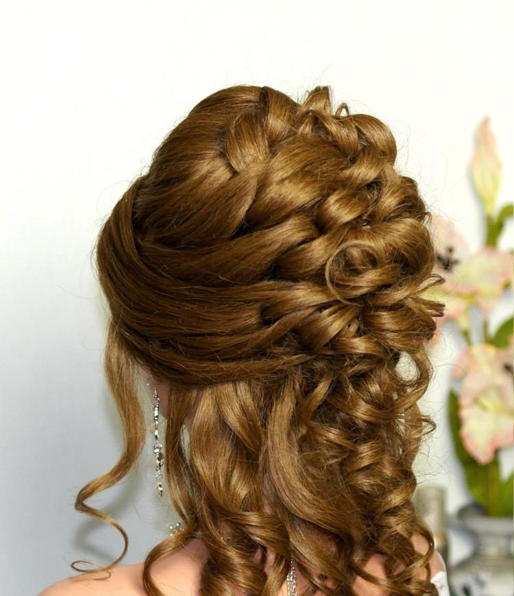 Frisuren Halboffen  Abiball Frisuren für den großen Tag hübsche Stylingideen