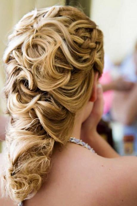 Frisuren Hochzeitsgast  Frisur hochzeit