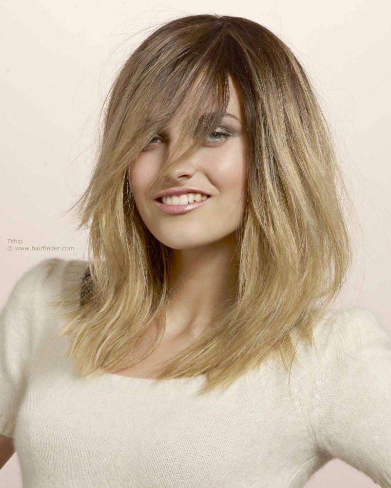 Frisuren Lang Glatt  Aufregender Look für langes Haar mit gutem Stand im Ansatz