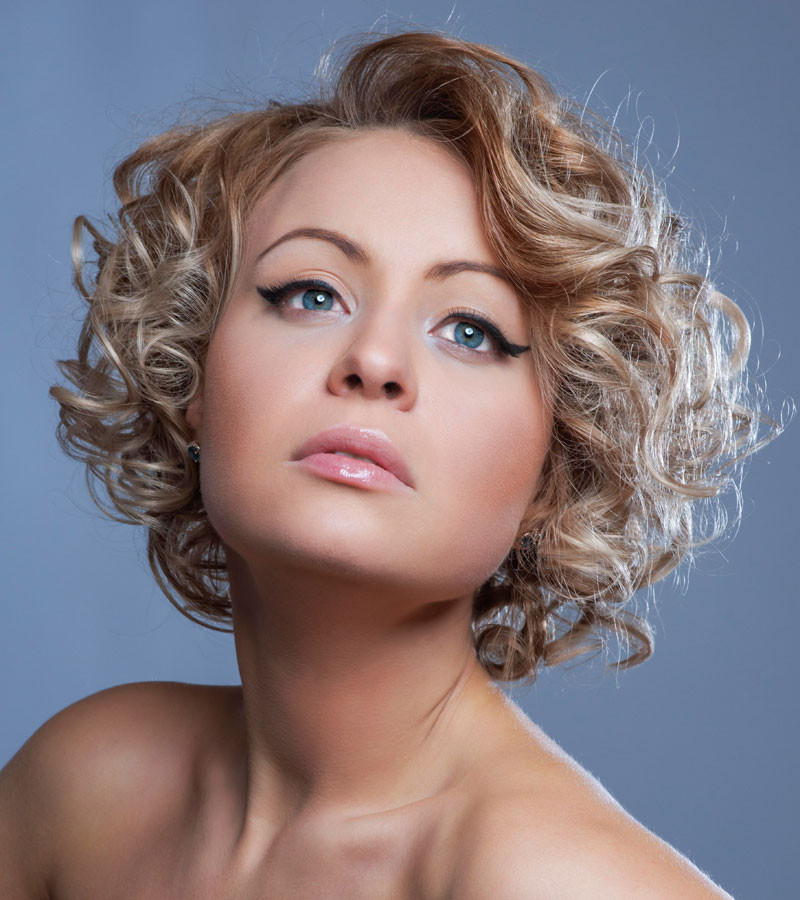 Frisuren Locken Bob  Kurzer Bob im Wet Look Bob Frisuren mit Locken
