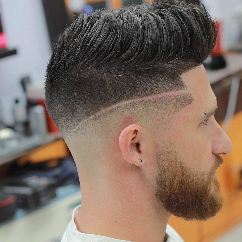 Frisuren Männer 2019 Undercut  Männer Frisuren 2018 trendige Pompadour Frisur für