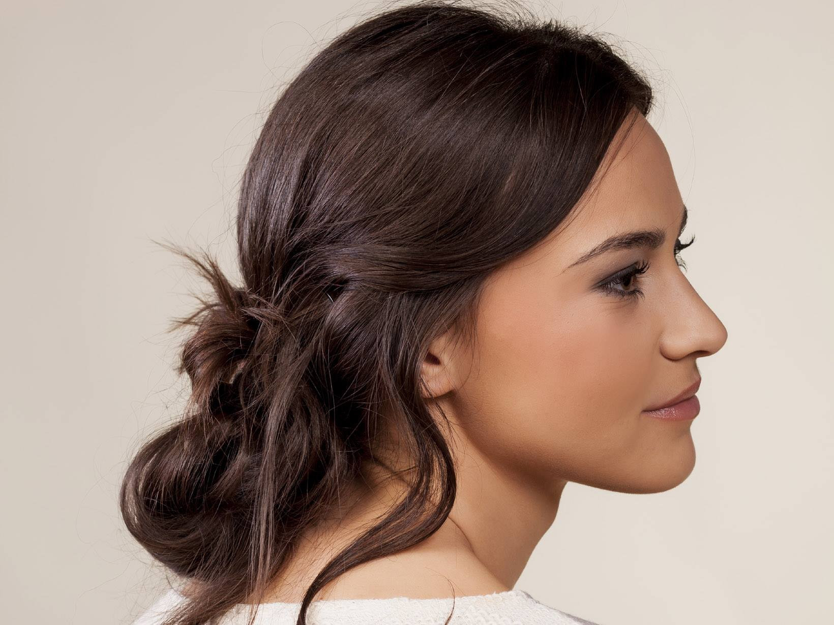 Frisuren Mit Haarspangen  Abiball Frisuren für jede Haarlänge und jeden Typ