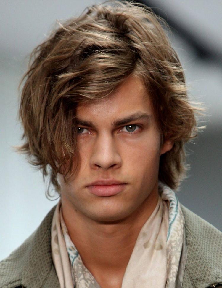Frisuren Mittellang Männer  40 Styling Ideen und Tipps für mittellange Frisuren für