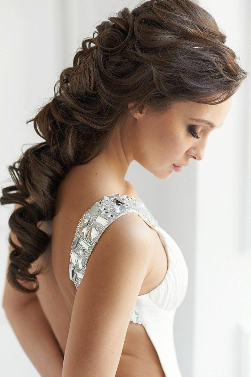 Frisuren Tipps  Frisuren Tipps für Braut Was Sie unbedingt tun und