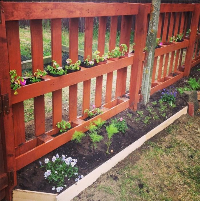 Gartenzaun Diy  Gartenzaun selber bauen aus Paletten Ausgefallene DIY