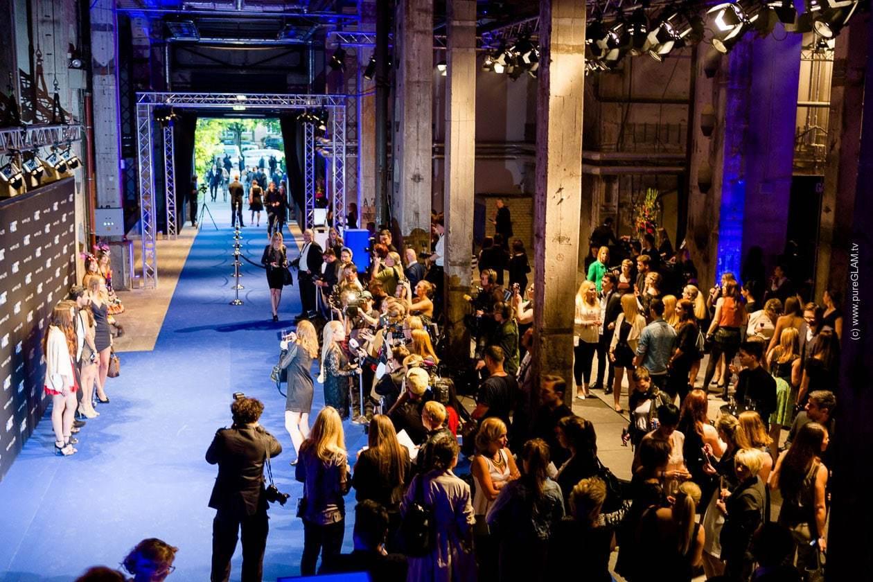 Geburtstagsfeier Berlin  MAYBELLINE NEW YORK 100 Jahre Geburtstagsfeier Berlin