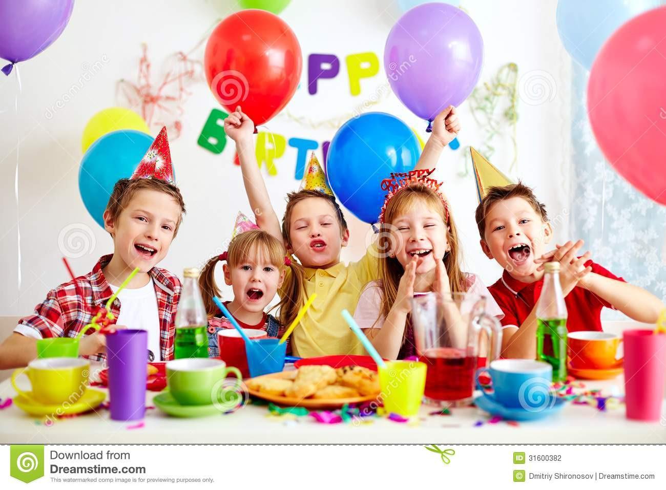 Geburtstagsfeier  Geburtstagsfeier stockfoto Bild von junge freundschaft