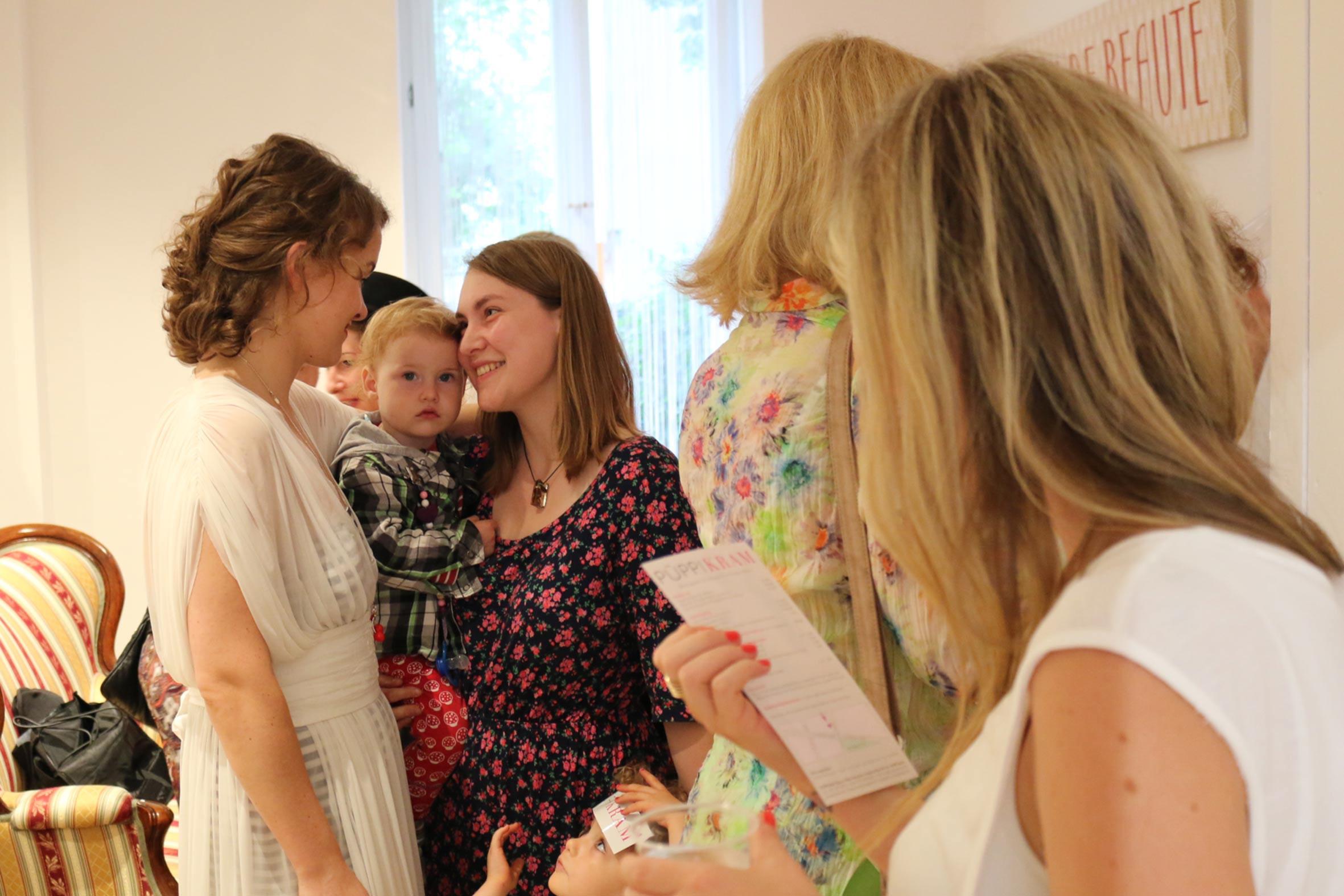 Geburtstagsfeier Mal Anders  Geburtstagsfeier im Beautysalon PÜPPIKRAM 2 Jahre Hair