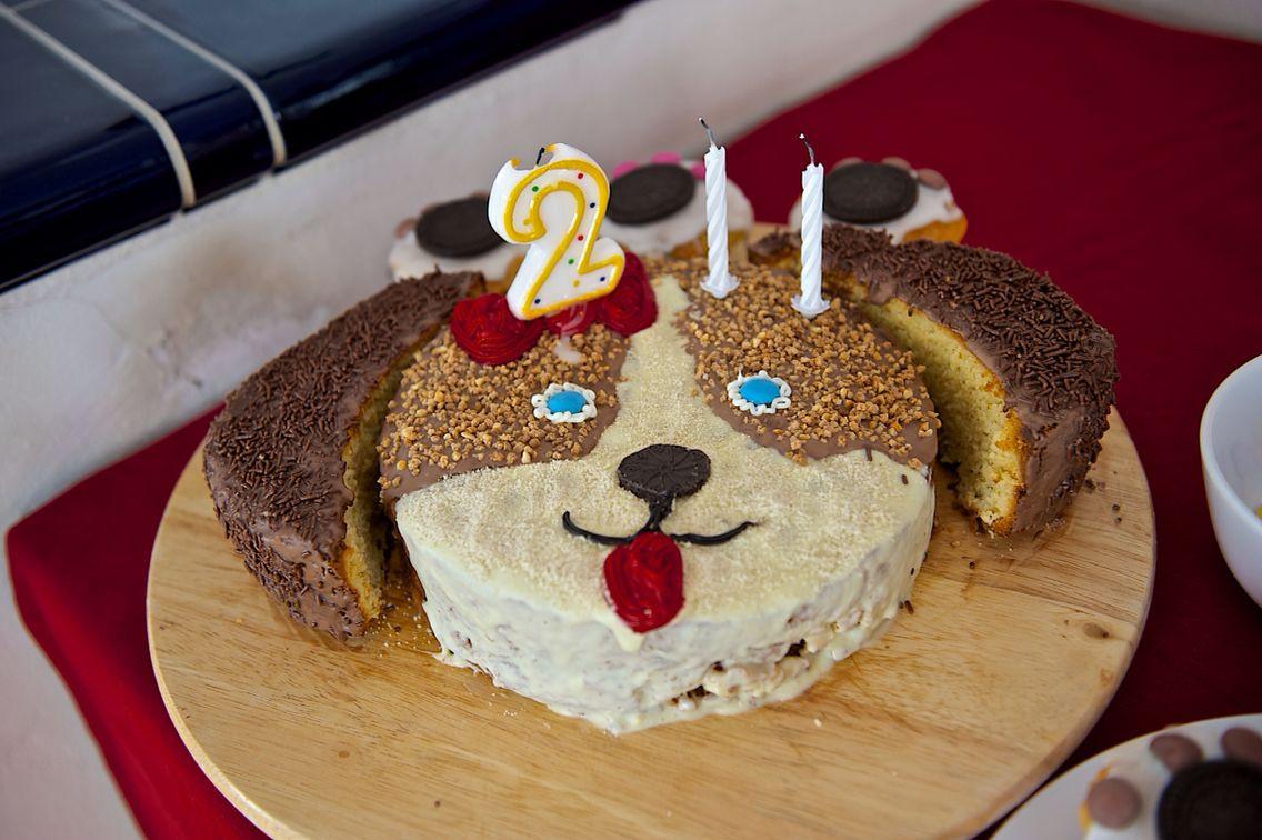 Geburtstagskuchen Hund  Geburtstagskuchen Hund Puppy birthday cake