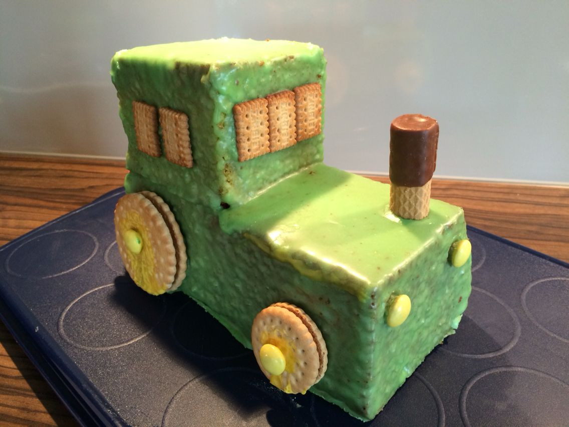Geburtstagskuchen Traktor  Bulldog Traktor Kuchen zum 2 Geburtstag